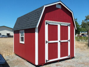 red barn in Red Bluff
